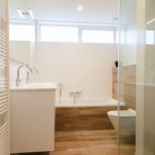Design radiator voor in de badkamer. Door Bloemendaal Installatie